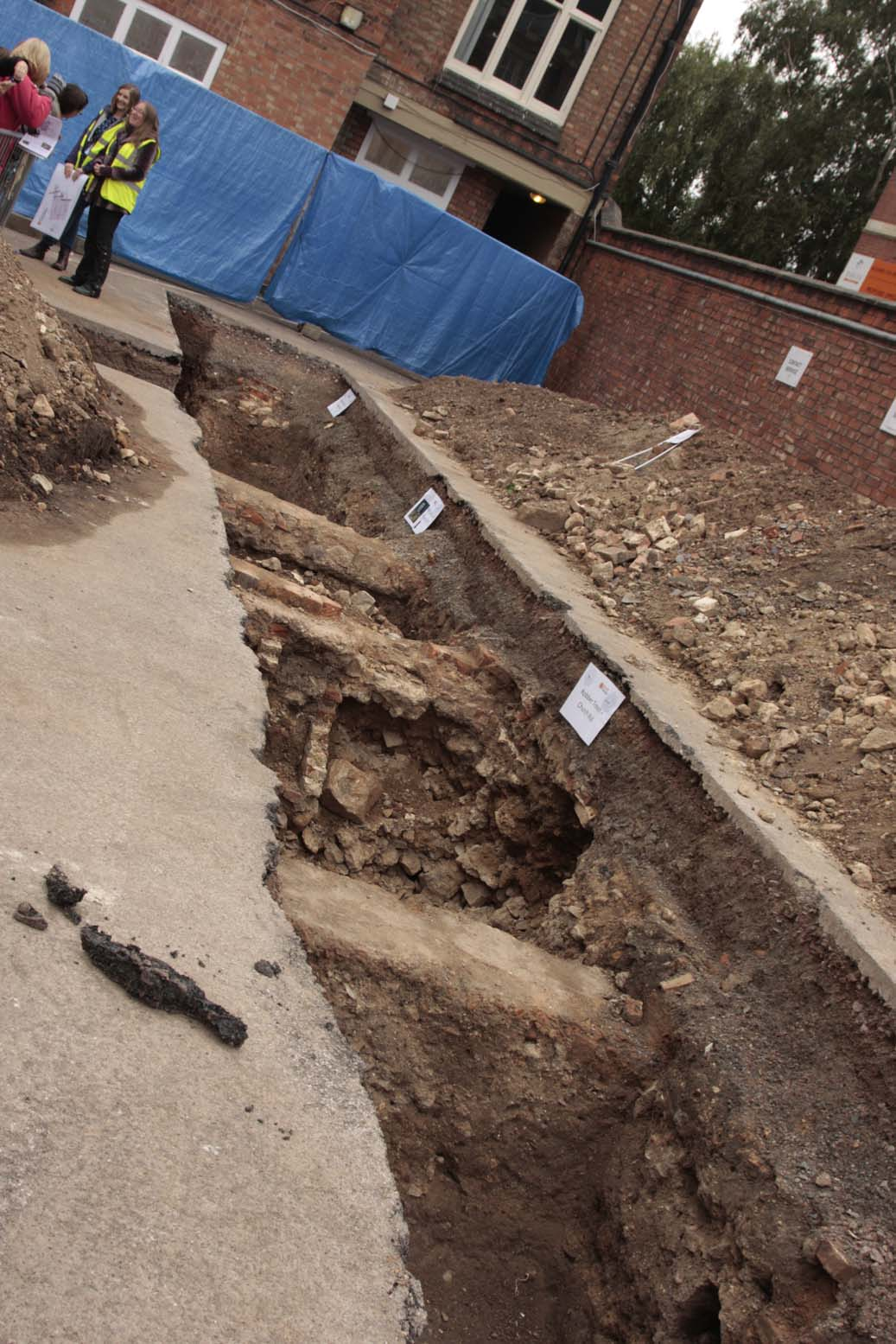 Trench1-3