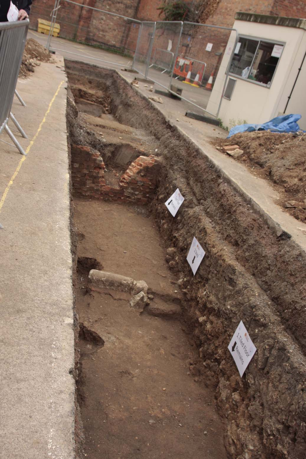 Trench2-2